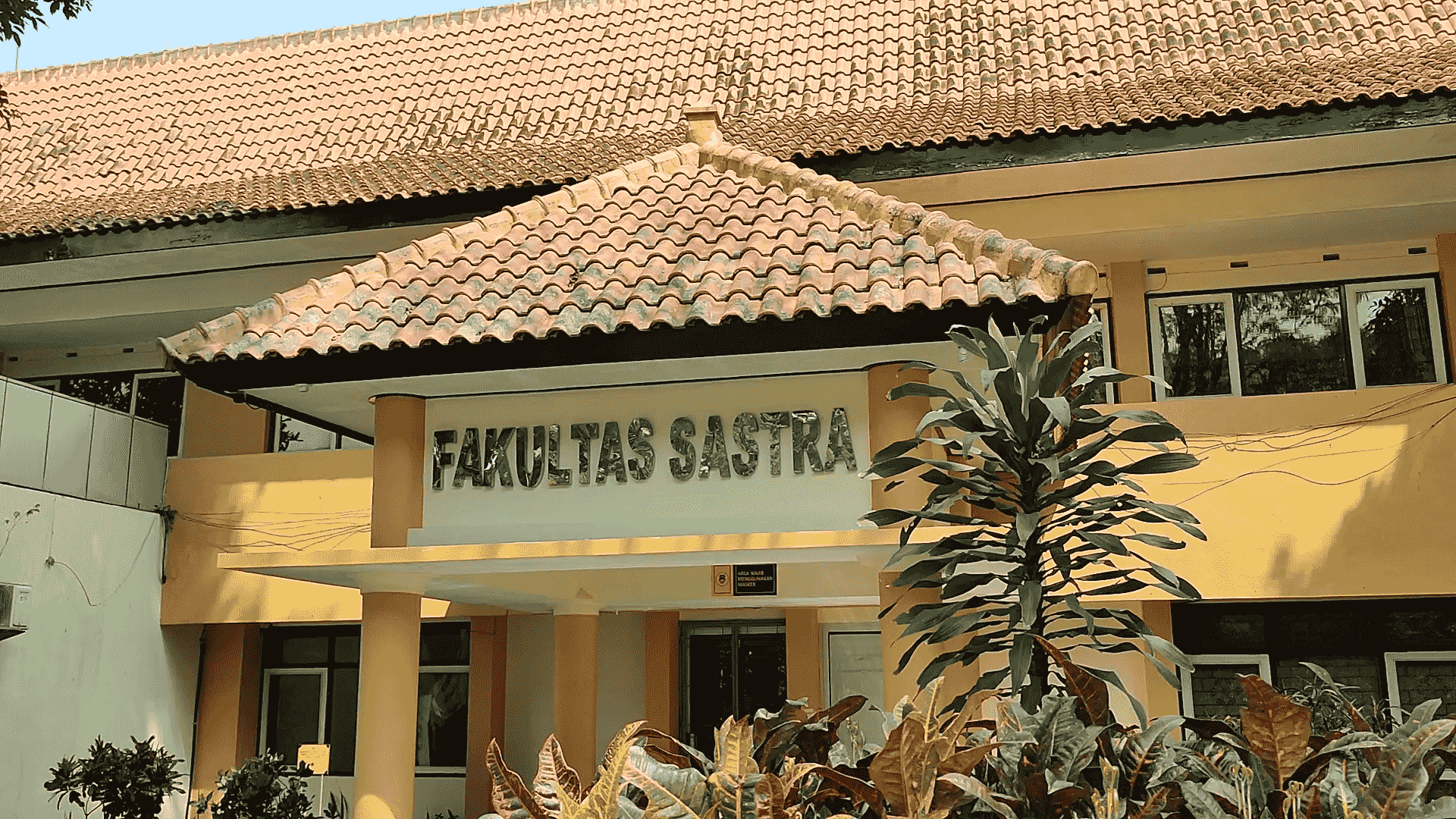 gedung fakultas sastra Universitas Negeri Malang